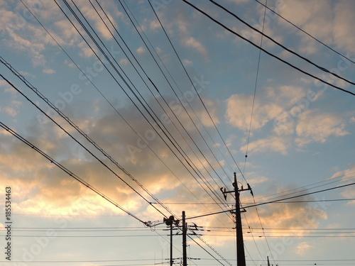 朝焼けと電信柱