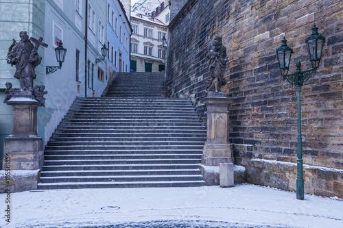 Photo Prague, old town winter morning. Snow in Prague, Czech Republic.