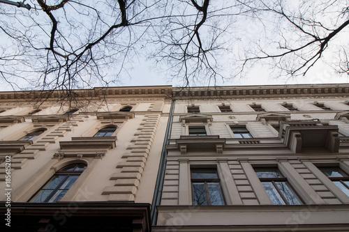 Poster Oude gebouw Alte historisches Gebäude auf der Andrassy Utca Allee in Budapest, Ungarn (Europa), einer europäischen Hauptstadt