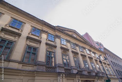 Foto op Aluminium Oude gebouw Altes historisches Gebäude auf der Kiraly Utca Straße in Budapest, Ungarn (Europa), einer europäischen Hauptstadt