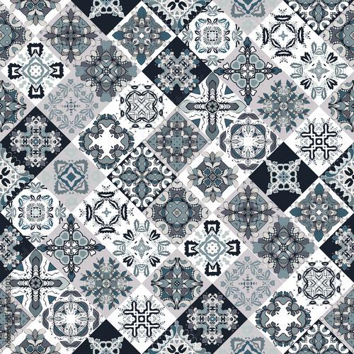 tradycyjne-ozdobne-plytki-dekoracyjne-abstrakcyjne-tlo-wektor-recznie-rysowane-ilustracja-produkty-ceramiczne-zestaw-mandali