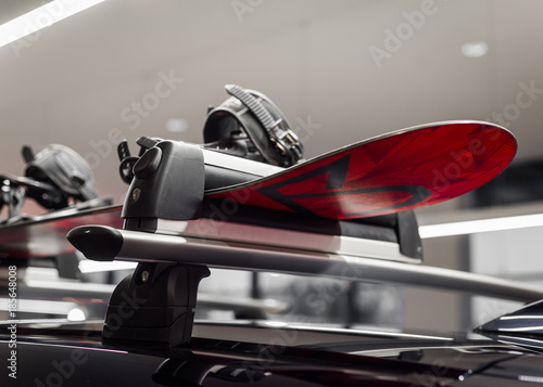 mata magnetyczna Narty na dachu, bagażnik transportowy
