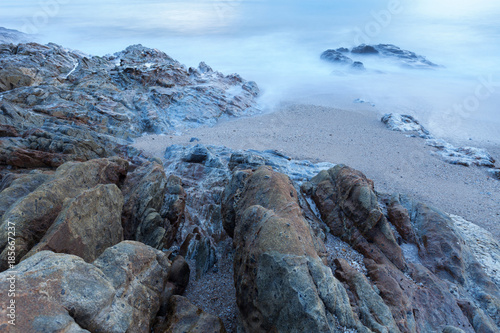 Photographie  Seascape of rock in long exposure,composition of nature for background
