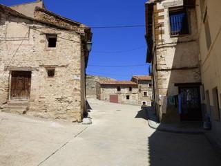 Fototapeta na wymiar Villarroya de los Pinares, pueblo de Teruel en la Comunidad Autónoma de Aragón, España