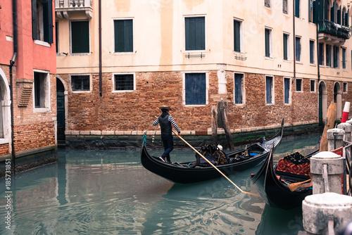 Spoed Foto op Canvas Gondolas ヴェネツィア