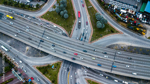 Photo  Aerial  shot,view from the drone on the road junction of Kuala-Lumpur,Malaysia