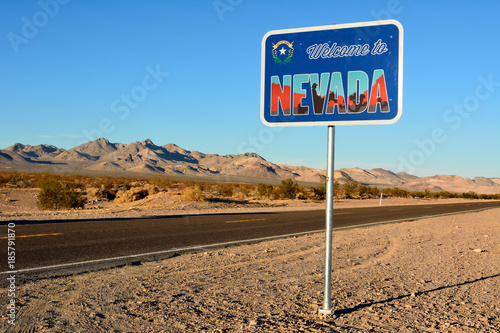 Fototapeta Welcome to Nevada road sign