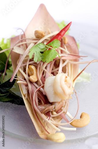 Ensalada de cerdo y gambas con flor de plátano, Yam hua plee Canvas Print