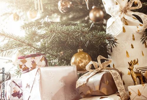 Fototapety, obrazy: Geschenke unterm Weihnachtsbaum
