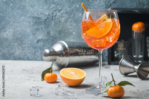 Printed kitchen splashbacks Cocktail Aperol spritz cocktail