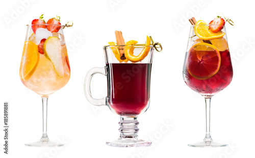Fotografía Set of alcoholic cocktails sangria and mulled wine isolated on white