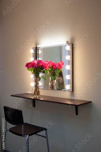 Working Place Of Make Up Artist Square Mirror With Lamps And Rose