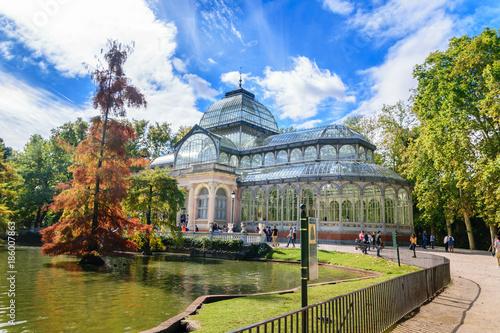 Arquitectura del edificio del palacio de Cristal en el parque del Retiro, Madrid