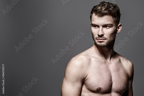 Tuinposter Akt shirtless young man