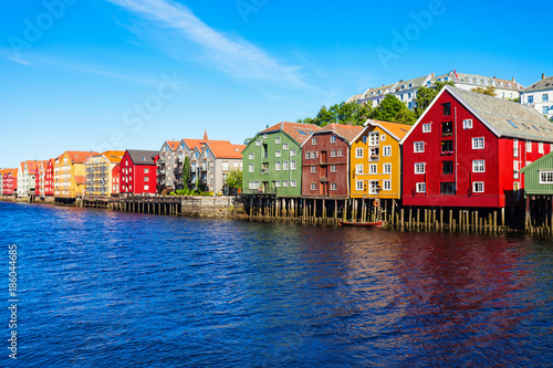 Poster Scandinavie Colorful old houses, Trondheim