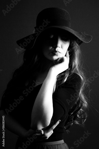 Recess Fitting womenART portraits on black background