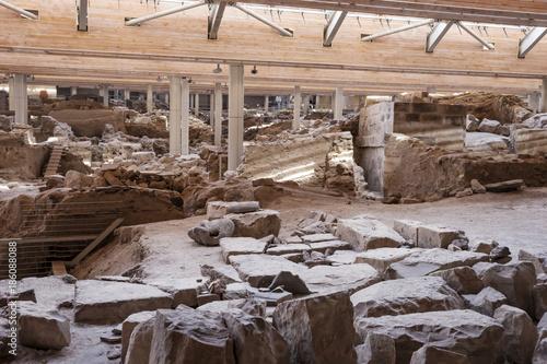 Poster de jardin Ruine Akrotiri Archaeological Site Museum excavation near Fira Santorini island in Greece
