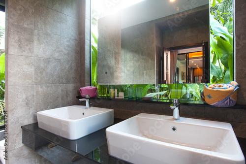 Luxury Bathroom Features Basin Toilet Bowl And Bathtub Kaufen Sie