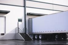 Dry Van Semi Trailer Loading A...