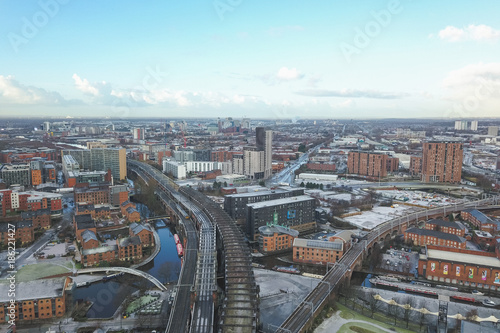 Photo Aerial view drone manchester city centre hilton hotel beetham tower