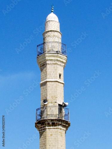 Fotografia  Jaffa minaret of Mahmoudiya Mosque against the blue sky 2012