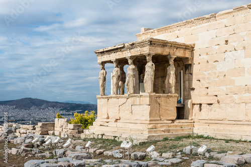 Spoed Foto op Canvas Athene Figures of the Caryatid Porch of the Erechtheion on the Acropolis in Athens, Greece