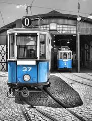 stari vintage plavi tramvaj