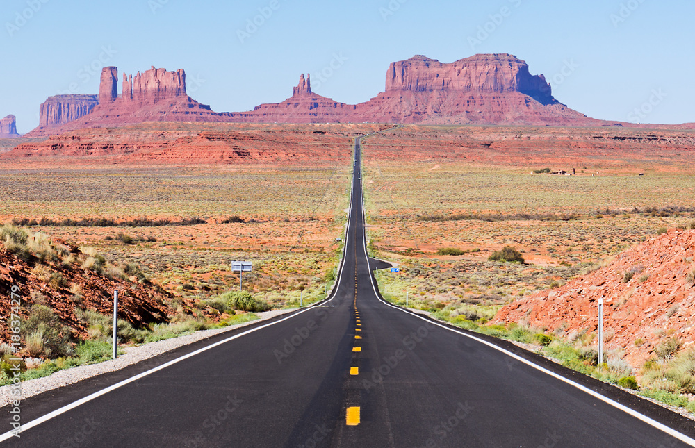 Fototapety, obrazy: Scenic Road leading to Monument Valley