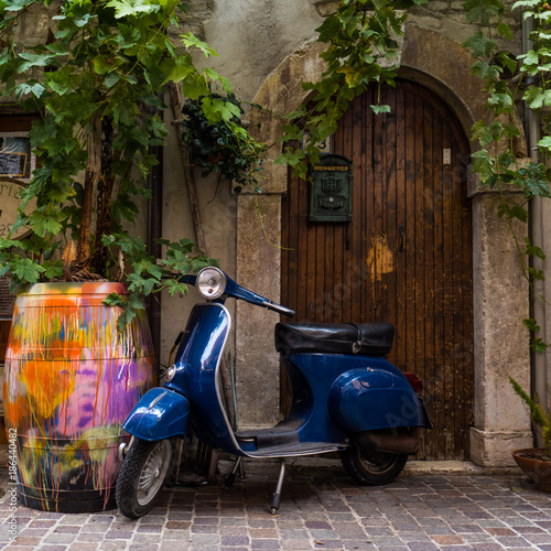 Fotobehang Fiets Vespa in Italien