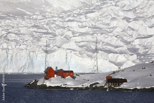 Photo Stands Antarctic Argentine research base - Paradise Bay - Antarctica