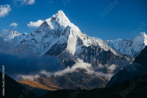 Fotomural Amazing mountains on Himalayas - Nepal.