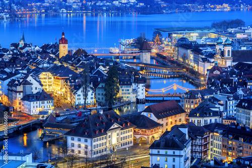 Cuadros en Lienzo Lucerne Old town illuminated on Christmas, Switzerland