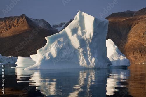 Foto op Aluminium Arctica Iceberg in Scoresbysund - Greenland