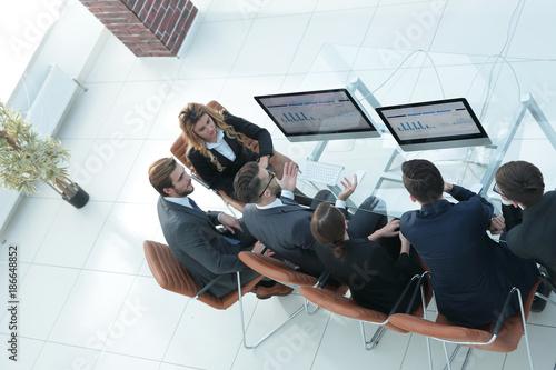 Fototapeta view from the top.business team discussing obraz na płótnie