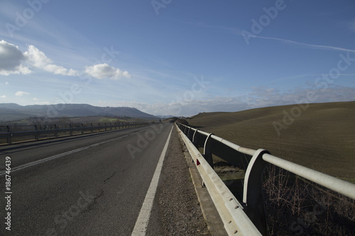 Photo  Empty road under the blue sky