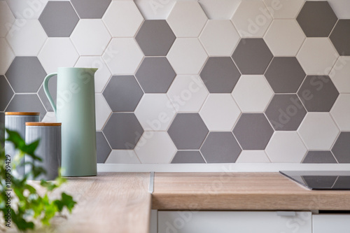 Slika na platnu Honeycomb wall tiles and worktop