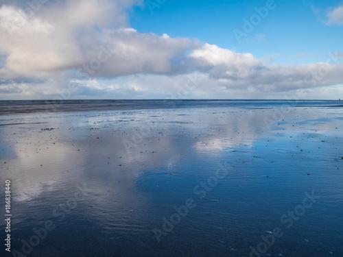 Spoed Foto op Canvas Noordzee Spiegelung am Wattenmeer