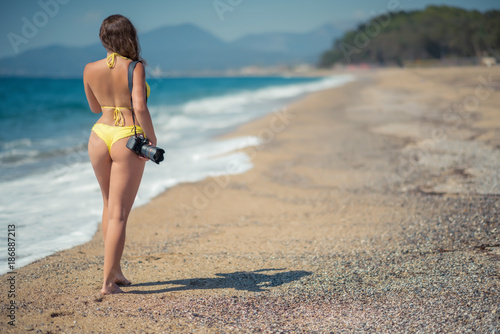 Naked woman on the beach pic 48