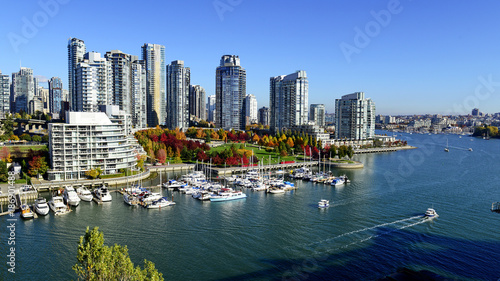 Stampa su Tela Autumn landscape of false creek in Vancouver downtown, BC, Canada