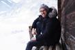 canvas print picture - Mann in Winter-Landschaft
