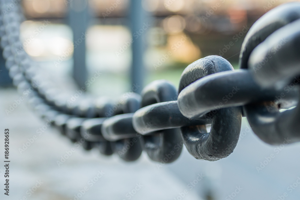 Fototapety, obrazy: Large Iron Chain Fades out of Focus
