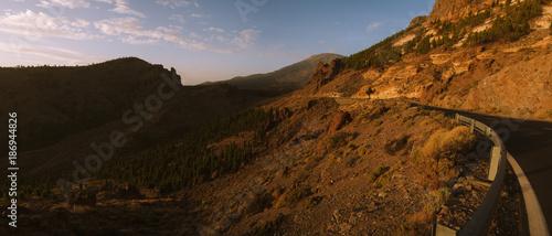 Keuken foto achterwand Zwart Colorful sunset in valley in mountain landscape