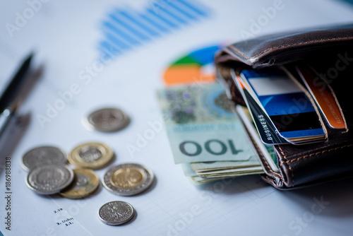 Fotografía  Polish money on the desk