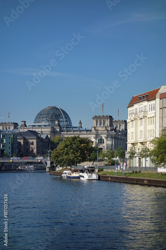 Photo  Reichstag and Spree River