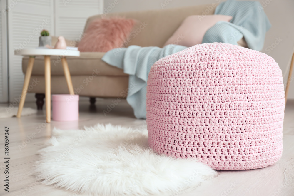 Fototapety, obrazy: Knitted pouf in living room