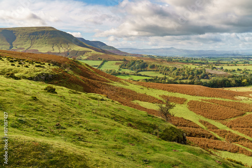Aluminium Prints Landscapes View over the landscape of the Brecon Beacons National Park with Twmpa mountain on the left, seen from Hay Bluff car park in the Black Mountains, Powys, Wales, UK