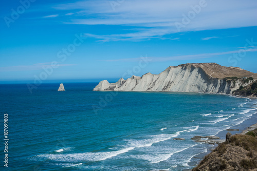 Limestone cliffs near Cape Kidnappers Golf course, with views of South Pacific O Canvas-taulu