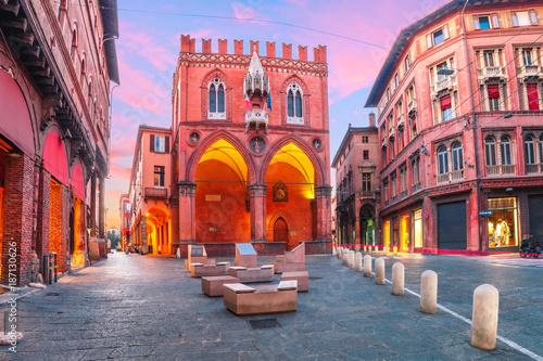 Fotografia, Obraz  Palazzo della Mercanzia at sunset in Bologna, Emilia-Romagna, Italy