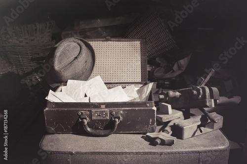 Papiers peints Retro old letters mysterious past story, vintage suitcase with hat