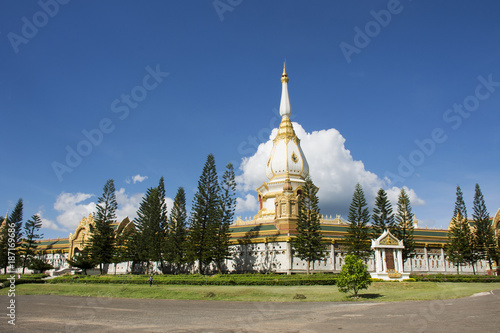 Tuinposter Temple Wat Phra Maha Chedi Chai Mongkol (Nong Phok) Temple in Roi Et, Thailand